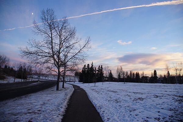 夕陽雪景,每天等公車準備去上班的地方