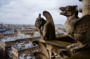 巴黎聖母院小怪物