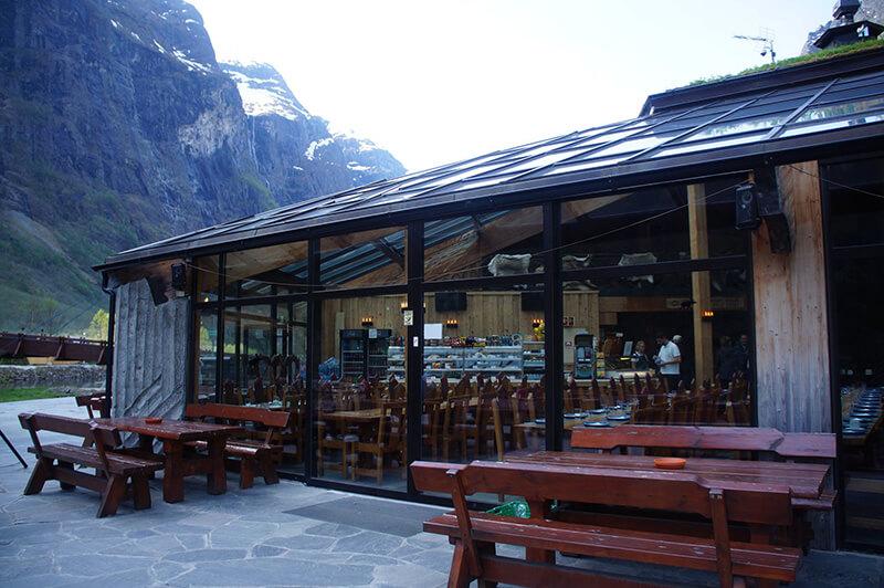 Gudvangen玻璃天頂餐廳外觀。