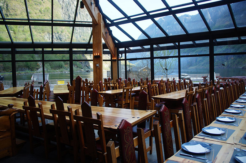 Gudvangen玻璃天頂餐廳。