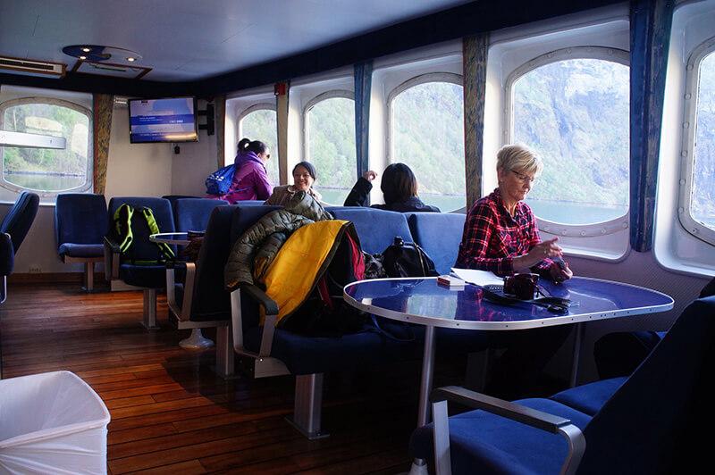 挪威縮影,經典郵輪的餐廳窗戶模樣