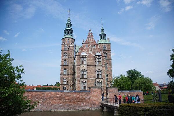 微貓拍攝的羅森堡,典雅的荷蘭文藝復興建築,哥本哈根市區超多!