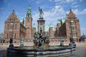 丹麥,內外都很精彩的斐特烈堡,著名的北歐凡爾賽宮,有相當詳盡的語音導覽。