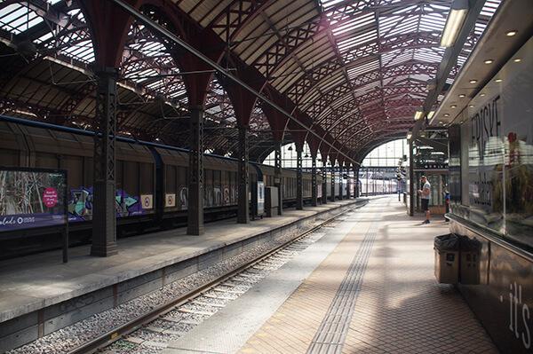 哥本哈根交通之火車站月台。