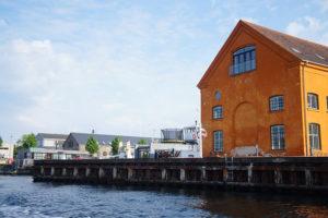 哥本哈根亮橘色房子