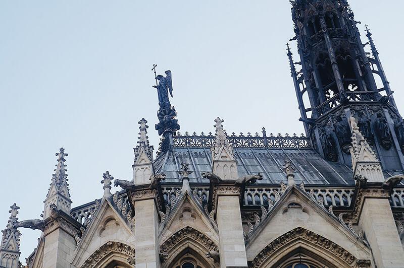 聖禮拜堂尖塔,從巴黎司法宮拍攝。