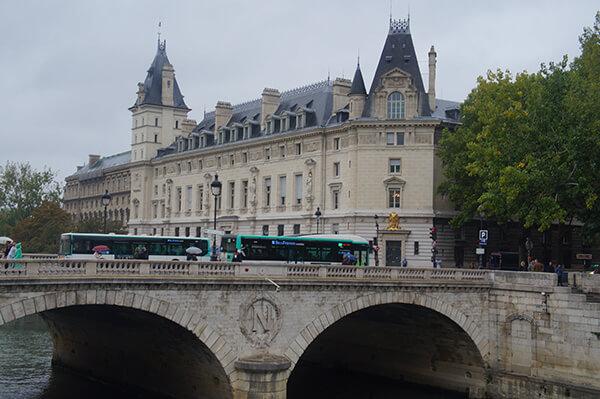 巴黎,西提島,新橋。