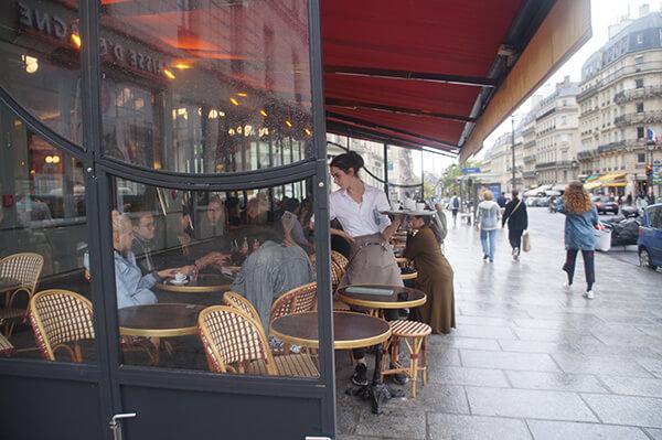 巴黎左岸咖啡館