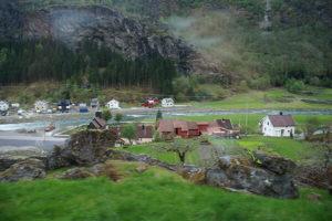 挪威縮影私人鐵路風光,快抵達flam囉