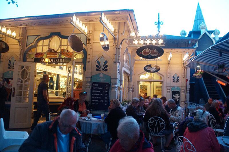 TIVOLI樂園內的餐廳。