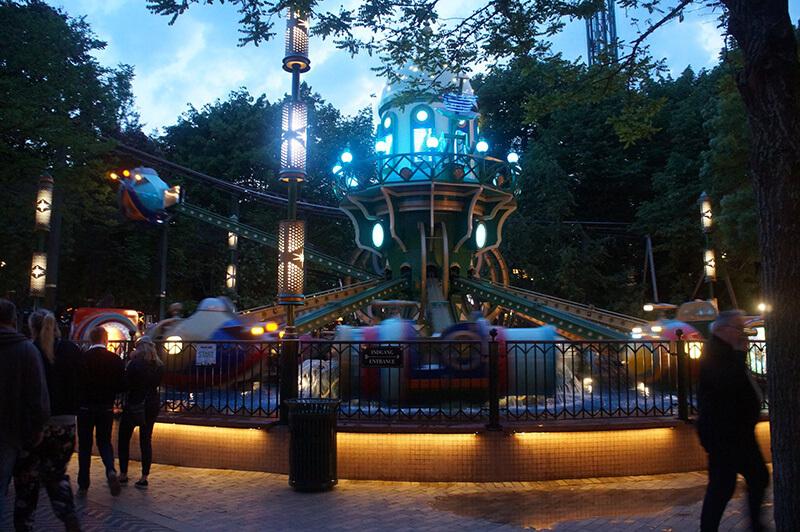 TIVOLI樂園小飛象的遊樂設施