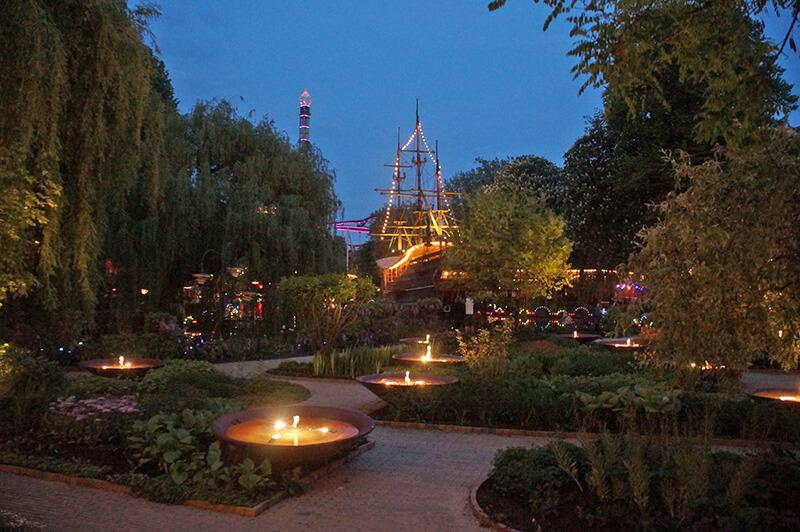 TIVOLI樂園夜晚有夜晚的浪漫。