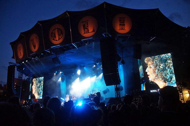 夏日丹麥哥本哈根搖滾音樂會!超大咖的歌手,超嗨!