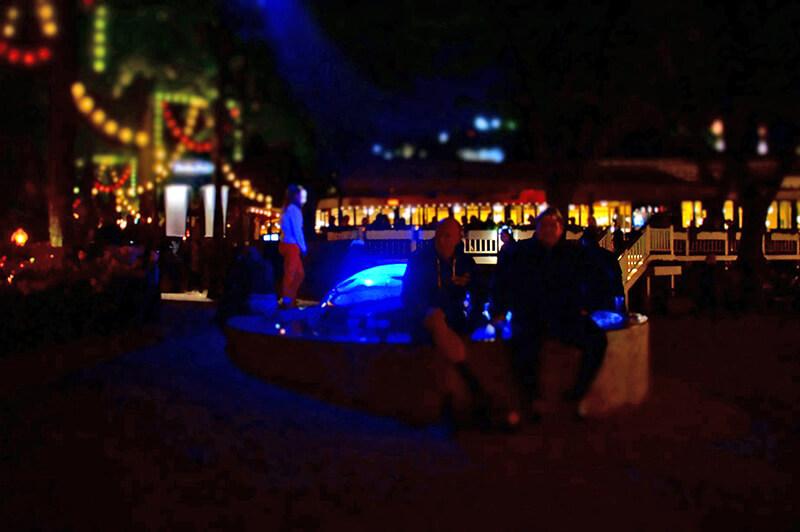 趣伏裡公園,魔幻搖滾夜