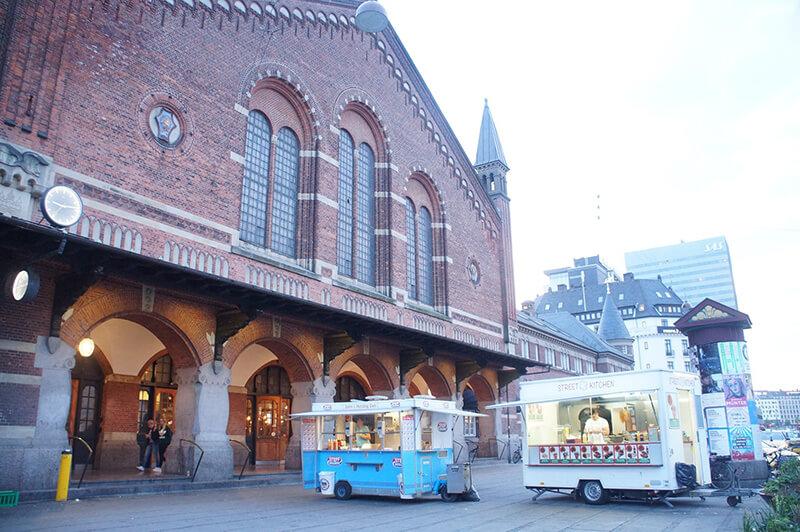 tivoli樂園對面的哥本哈根中央火車站