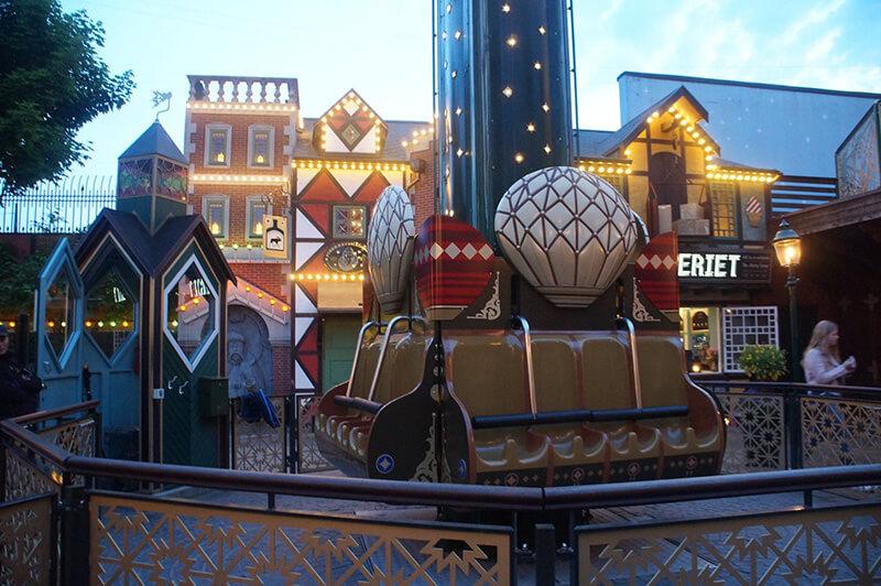 宛若童話小鎮般的丹麥歐風樂園,細膩飽和的復古色調,微貓好喜歡!