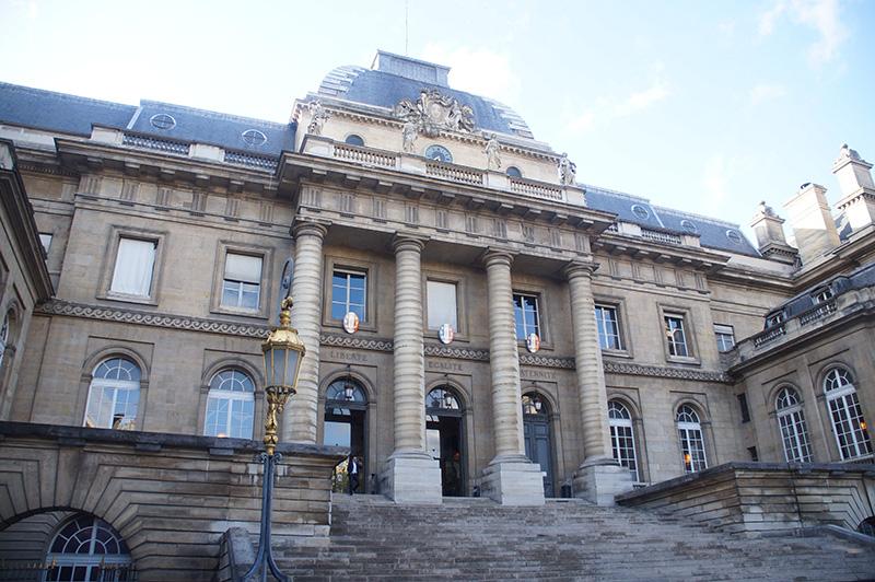 巴黎司法宮大門!最久遠的巴黎中世紀皇宮。