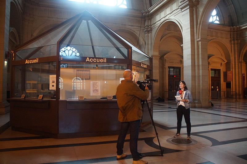 司法宮內巧遇記者報導中,完全聽不懂的法文。