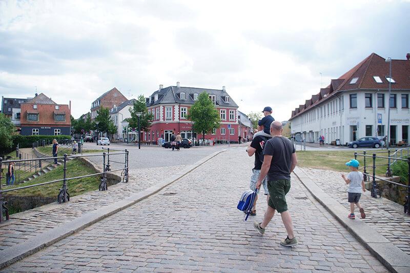 微貓丹麥哥本哈根一日遊,穿梭15大景點超滿足。