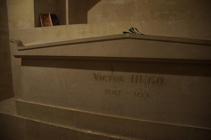 維克多.雨果的陵寢,VICTOR HUGO.