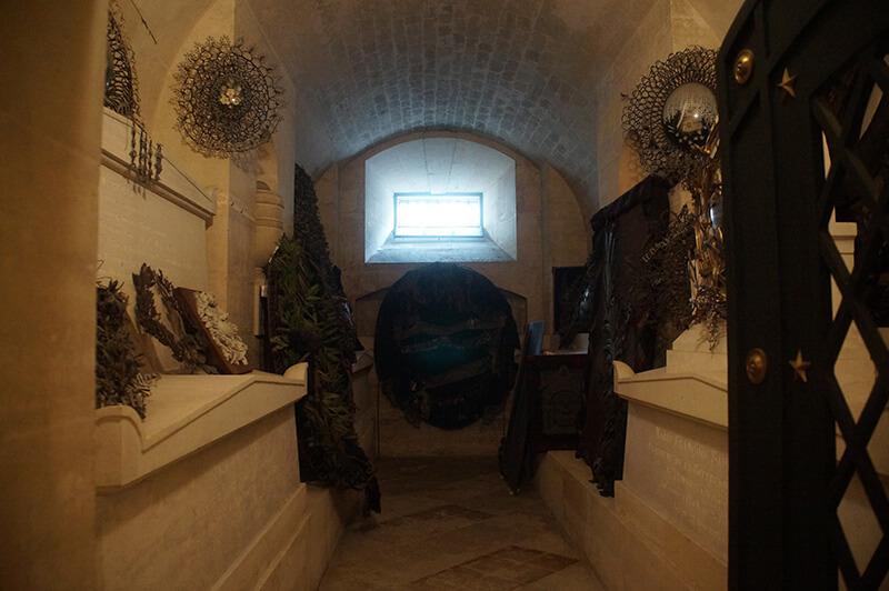萬神殿地下墓室一景