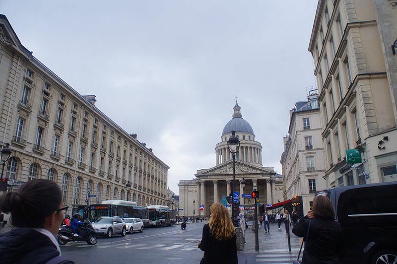 巴黎雨中的萬神殿