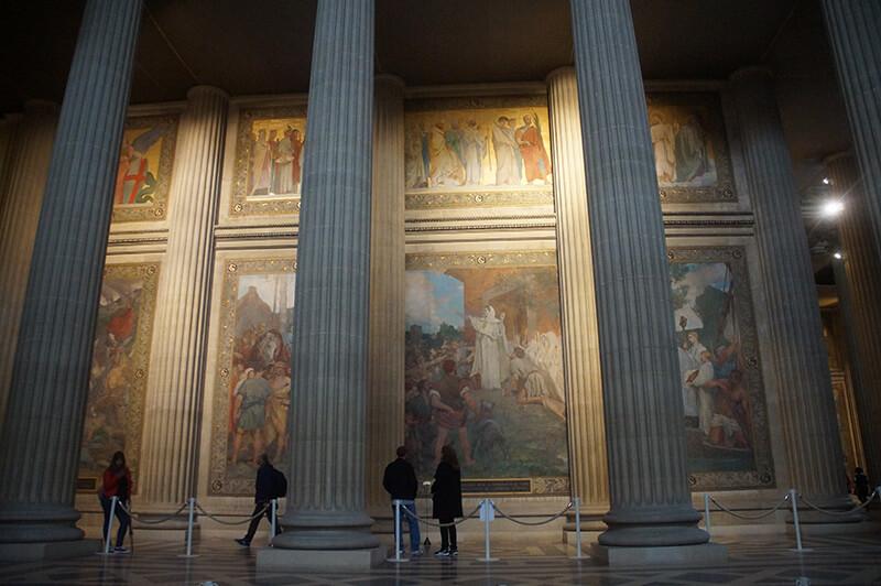 萬神殿壁畫故事,多為法國英雄事蹟