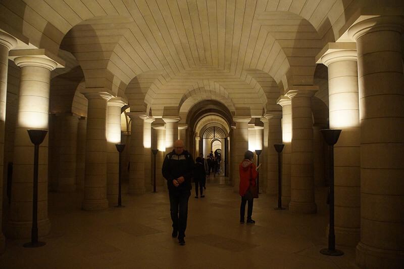 萬神殿地下墓室通道