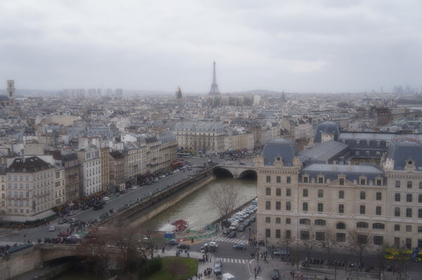 朦朧的巴黎街景