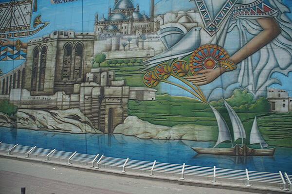 神之手跟鴿子,還有清真寺與風帆船!