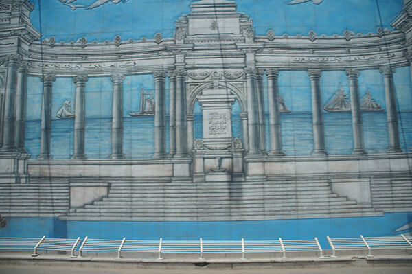 神殿與海。刻畫得很細膩呢!