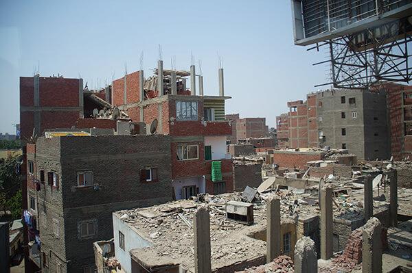 介於廢墟跟住宅之間,卻還是有人在住@@是不是很神奇?