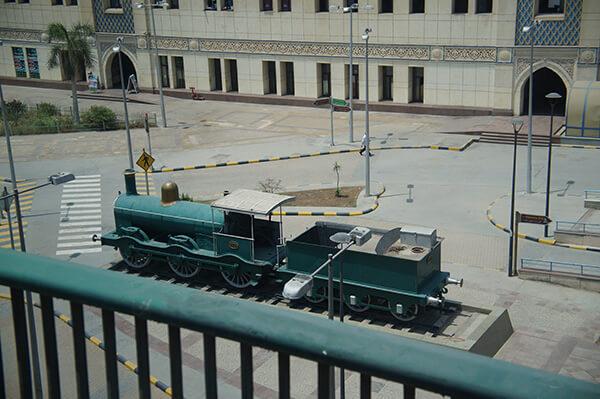 埃及小火車,顏色很討喜。