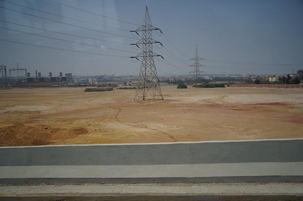 荒漠電塔。