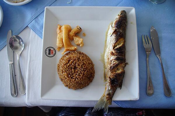 主食出現囉!是魚跟米食,我還是比較愛台灣米,但人到埃及,入境隨俗吧!