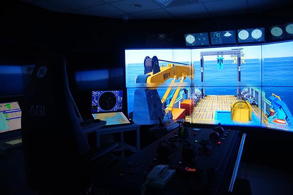 非常特殊的船隻模擬室!