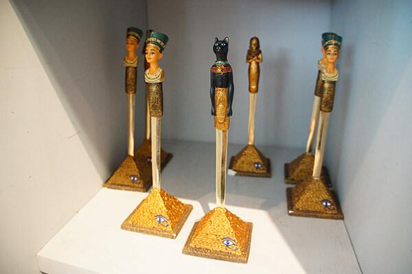 金字塔與荷魯斯之眼,蒂芙娜娜是著名的美女皇后喔!