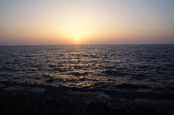 柔美夕陽地中海。
