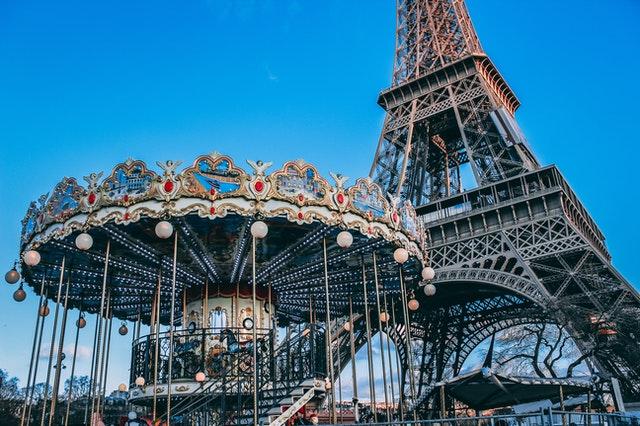 巴黎艾菲爾鐵塔與旋轉木馬