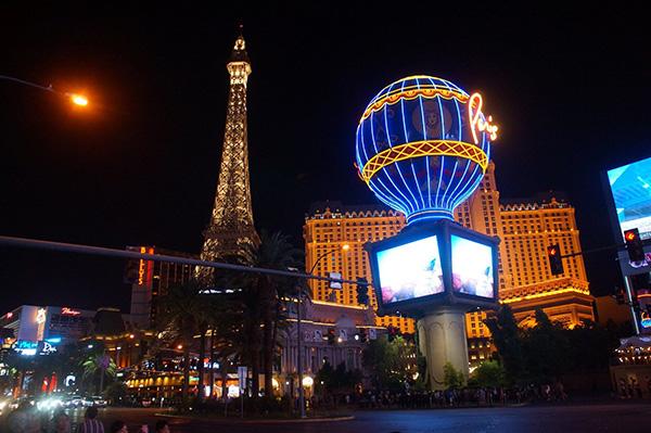 卡加利旅遊規劃之拉斯維加斯大道上的巴黎人酒店!
