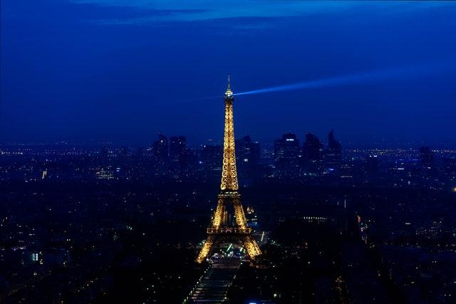 夜晚的巴黎鐵塔真的超浪漫!