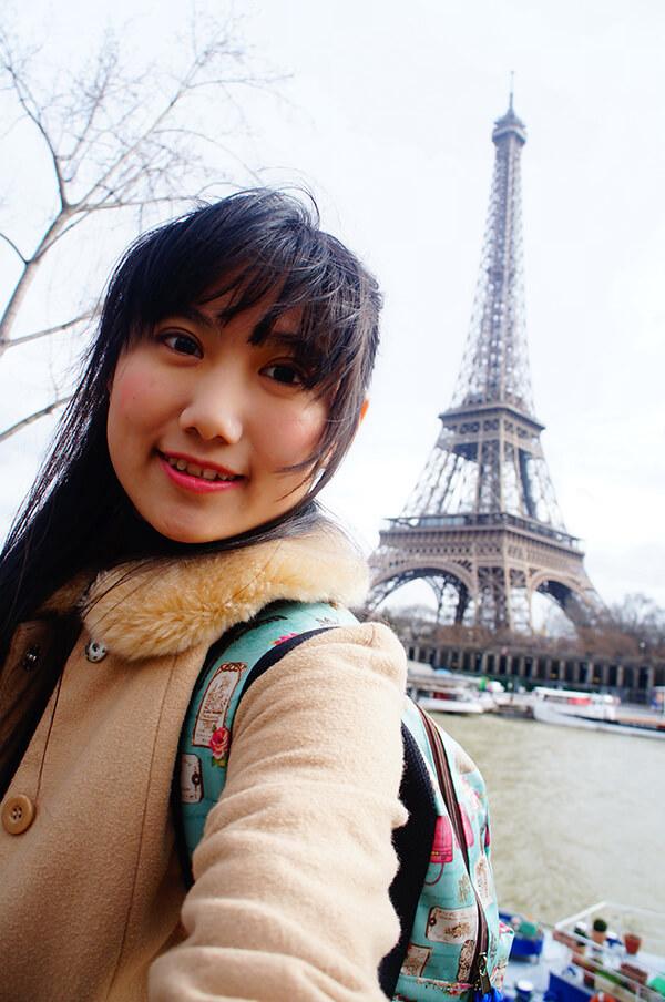 比爾阿克姆橋旁邊景緻,與巴黎鐵塔合照