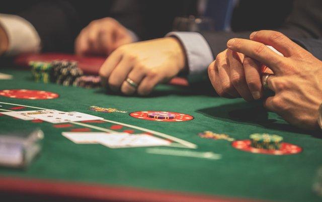 如果你沒搞懂就把錢砸下去,那就只是賭博跟投機。