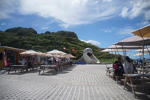 貝殼市集廣場,好像假日會有一些擺攤,但下午2點多還沒看到什麼東西,只有飲料攤。