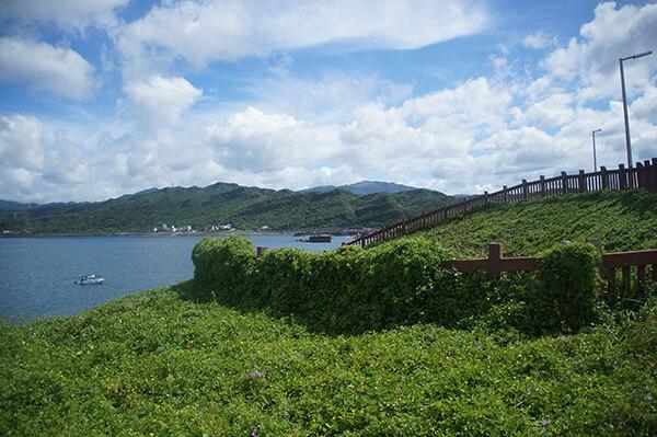 覺得很可愛的視角!整理過的草皮山海,台灣有其他類似這樣的地方嗎?