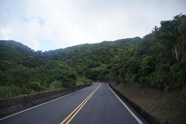 前往不厭亭的山路樣貌!左彎右拐。
