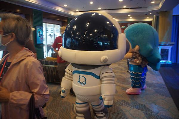 探索夢號吉祥物!太空人跟藍色美人魚!!