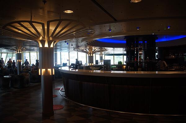 12樓棕梠閣音樂酒吧。