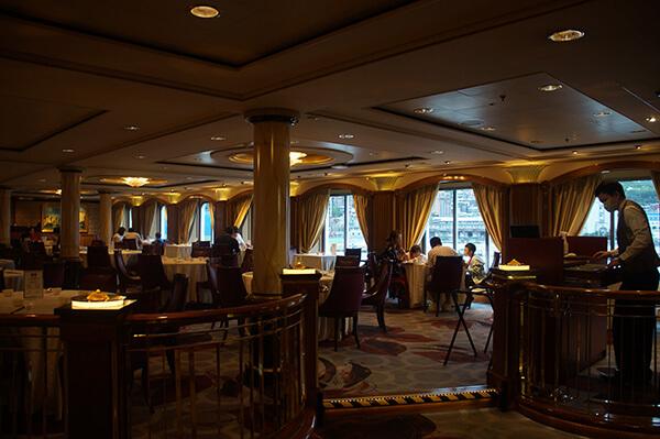 星夢郵輪探索夢號心得評價,免費餐廳之一,星夢餐廳,吃起來還好。