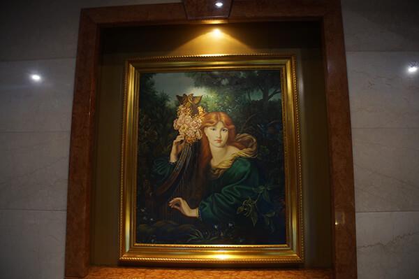 星夢郵輪探索夢號船上的掛畫。